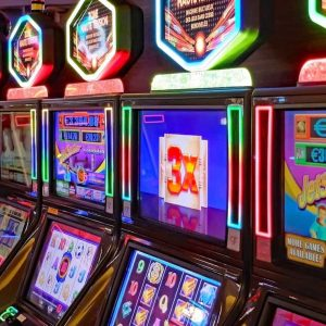 Filling Free Time By Playing Online Slots Profiting A Lot